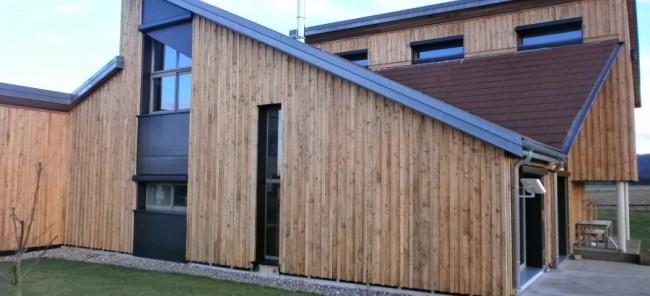 maison en bois basse extension bois maison basse goulaine. Black Bedroom Furniture Sets. Home Design Ideas